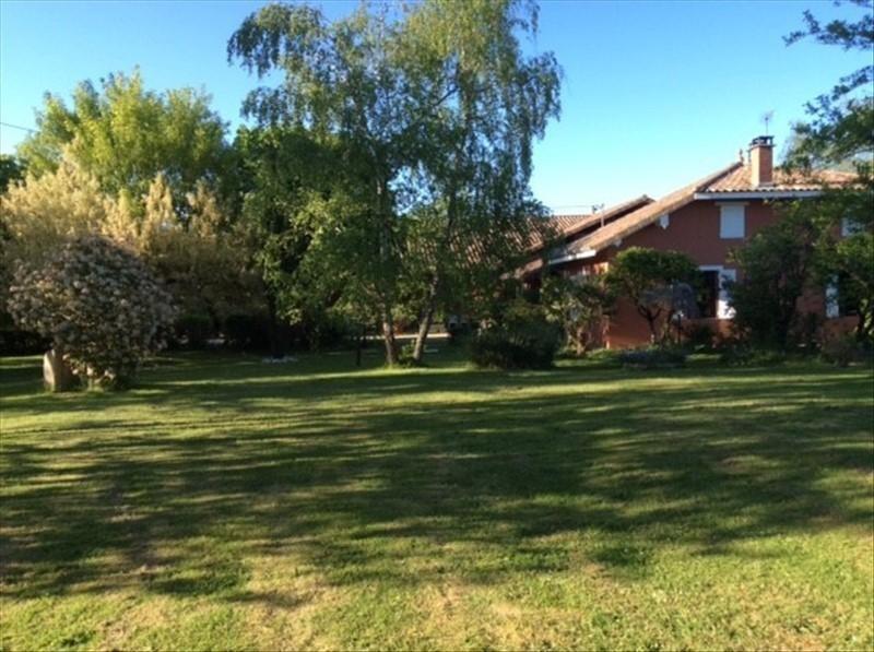 Investment property house / villa Mezeriat 330000€ - Picture 2