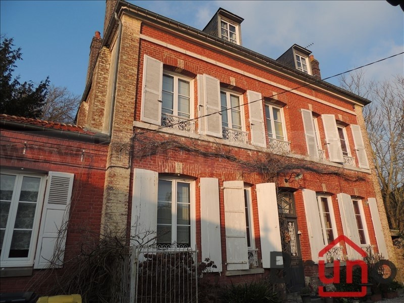 Deluxe sale house / villa Rue 587 900€ - Picture 1