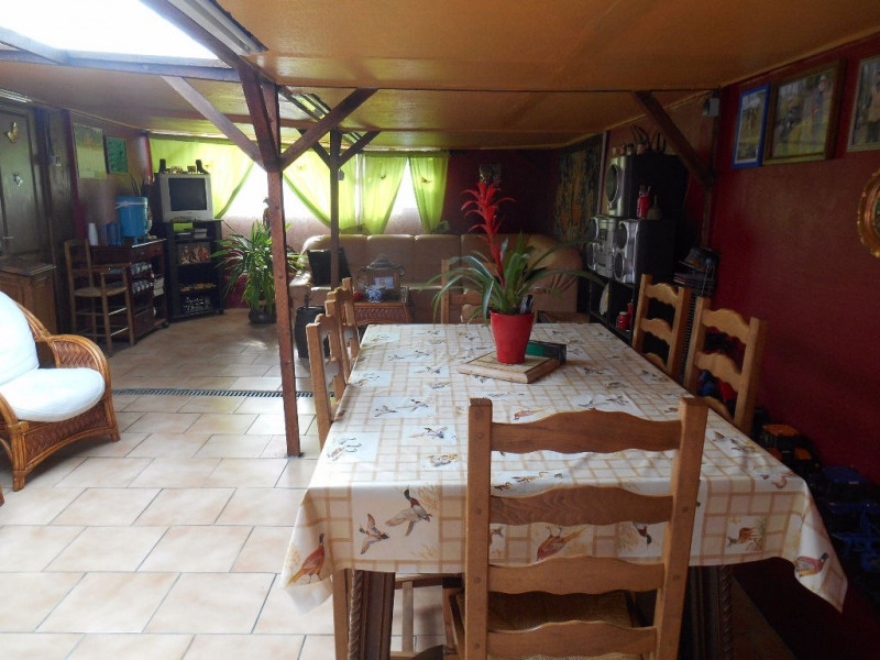 Sale house / villa Crevecoeur le grand 142 000€ - Picture 4