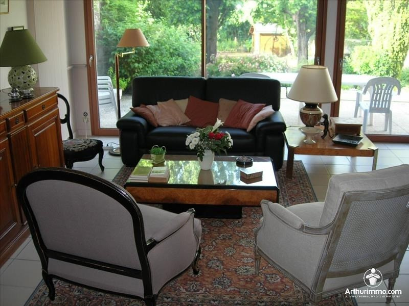Sale house / villa Pont st martin 500000€ - Picture 1