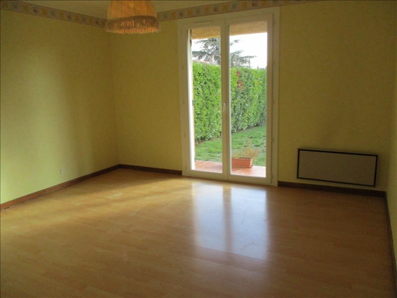 Location maison / villa Pelissanne 1 280€ CC - Photo 8