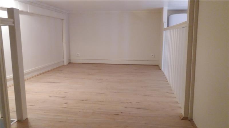 Alquiler  apartamento Paris 18ème 771€ CC - Fotografía 6