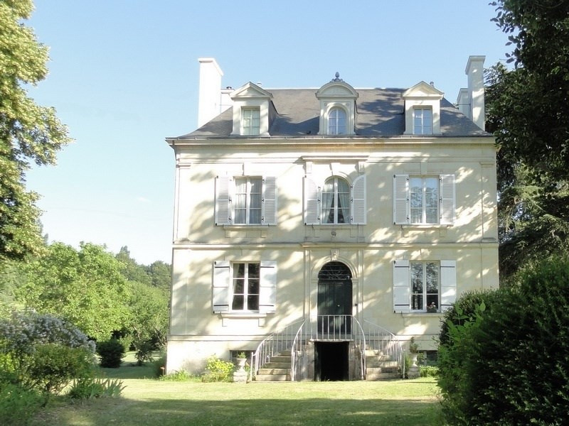 Deluxe sale house / villa Angers 20 mn sud 583 000€ - Picture 1