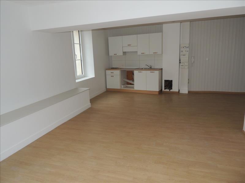 Rental apartment Beaupreau 423€ CC - Picture 2