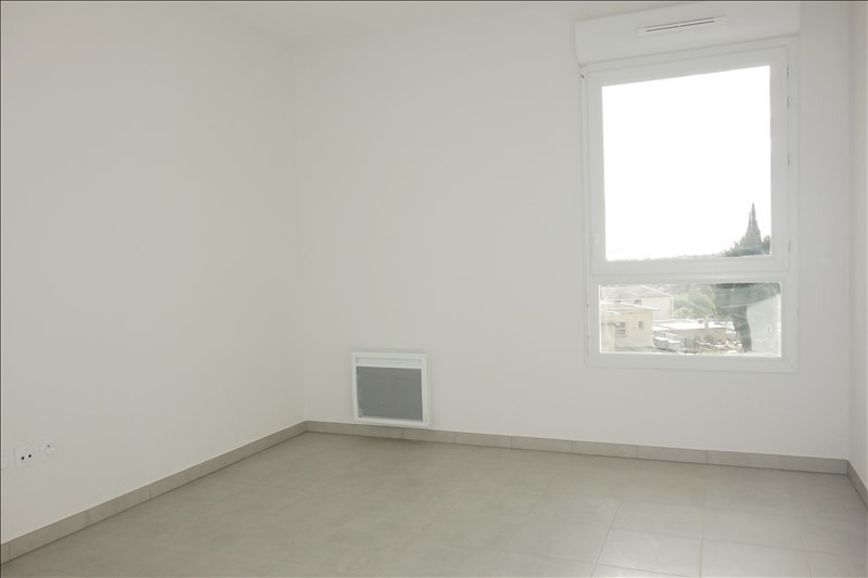 Location appartement Londe les maures 653€ CC - Photo 5