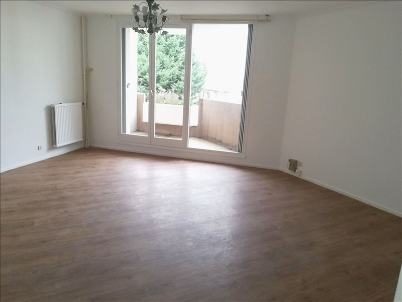 Rental apartment Evry 1 050€ CC - Picture 2
