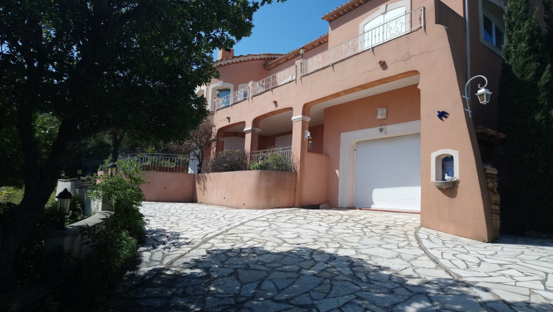 Vacation rental house / villa Les issambres 2 500€ - Picture 1