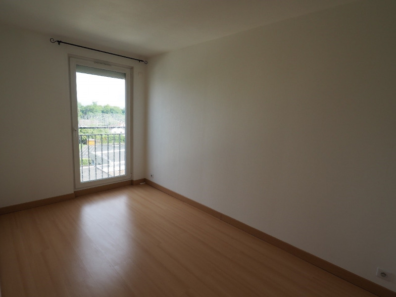Rental apartment Le mee sur seine 850€ CC - Picture 4