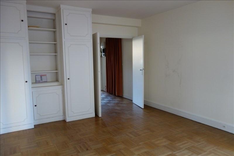 Rental apartment Versailles 998€ CC - Picture 1