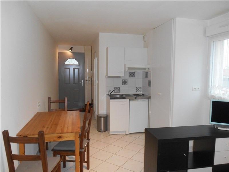 Rental apartment St julien les villas 320€ CC - Picture 2