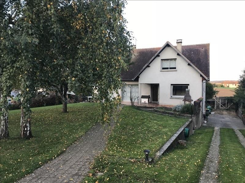 Sale house / villa Montereau 265000€ - Picture 1