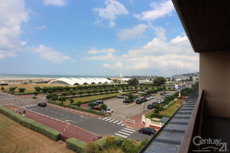 Revenda residencial de prestígio apartamento Deauville 966000€ - Fotografia 3