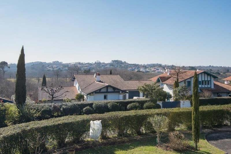 Deluxe sale house / villa Bassussarry 730000€ - Picture 1
