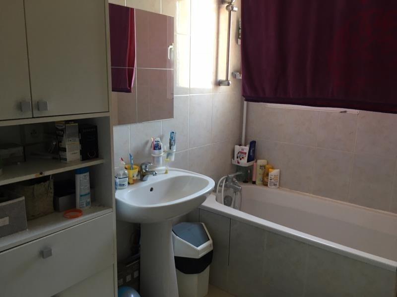 Rental apartment Lambesc 935€ CC - Picture 7