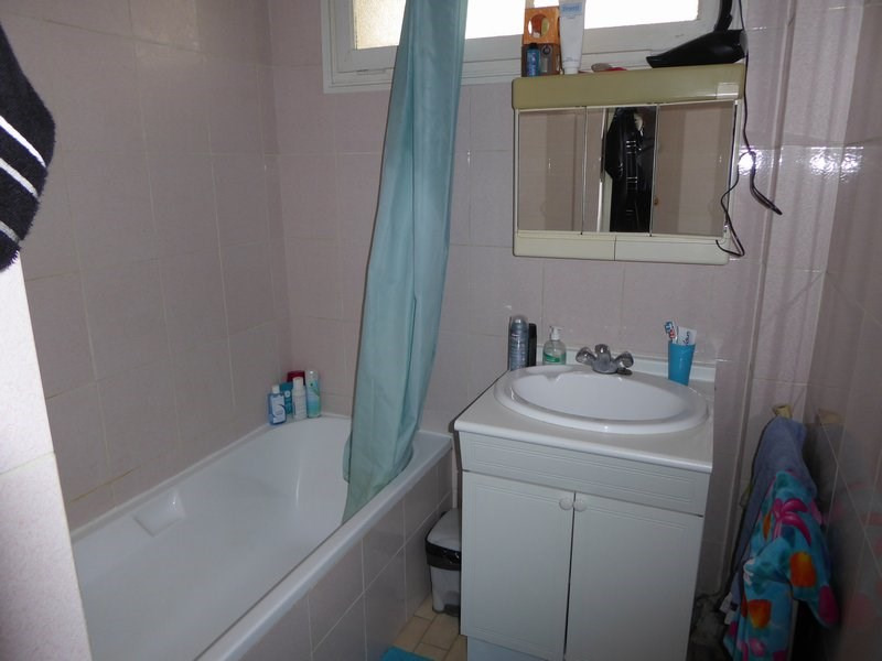 Rental apartment Maurepas 717€ CC - Picture 4