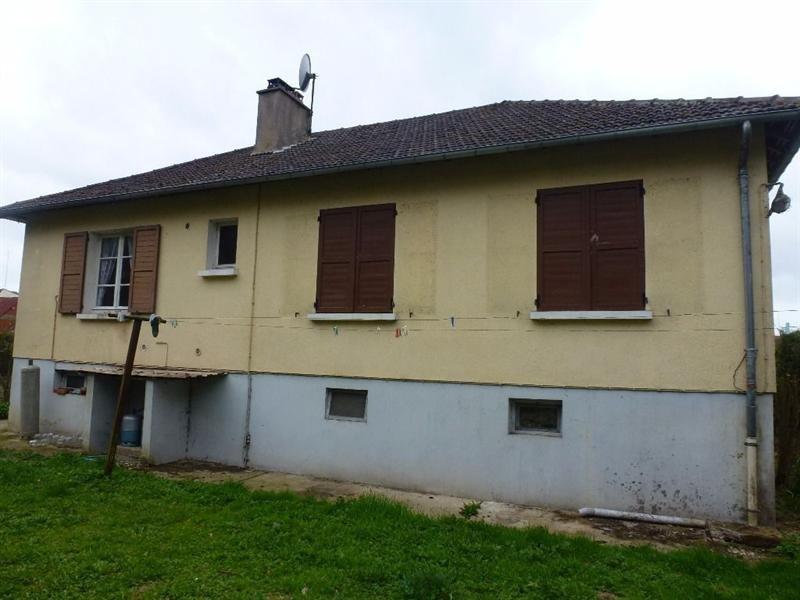 Sale house / villa Songeons 121000€ - Picture 1