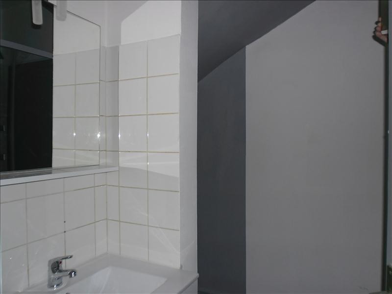 Location appartement Pont l eveque 340€ CC - Photo 4