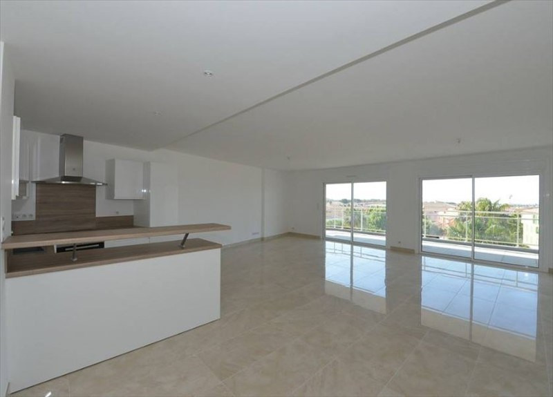 Deluxe sale apartment La londe les maures 610000€ - Picture 2
