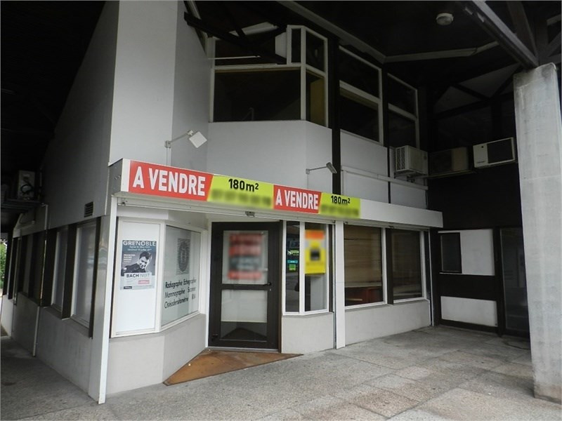 Vente Local commercial Saint-Égrève 0