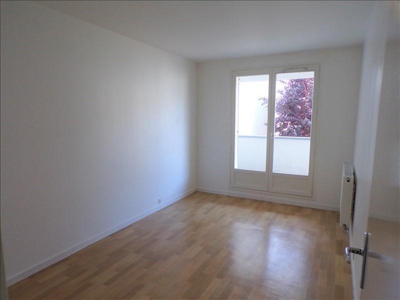 Location appartement Montigny le bretonneux 1080€ CC - Photo 7