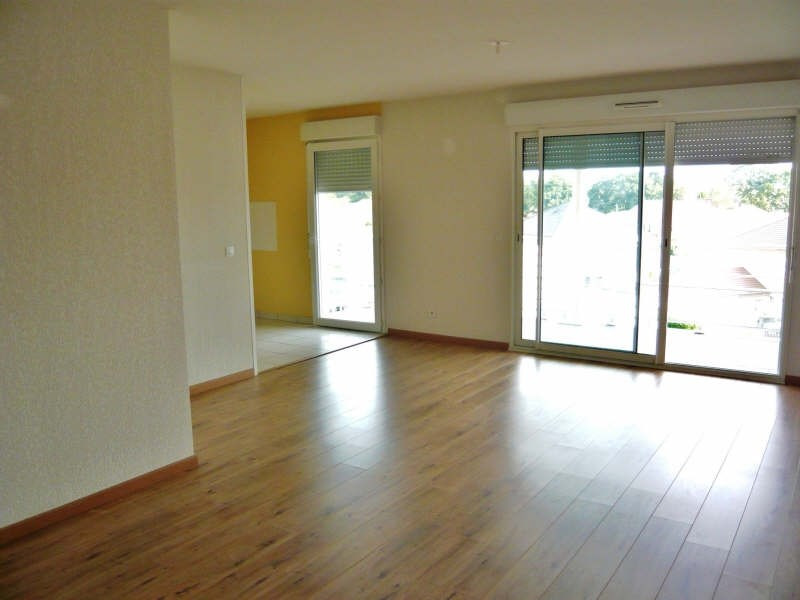 Rental apartment Lons 658€ CC - Picture 1