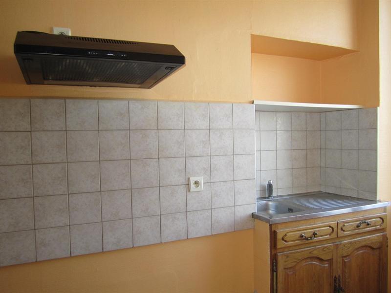 Sale house / villa Barbezieux saint-hilaire 84000€ - Picture 4