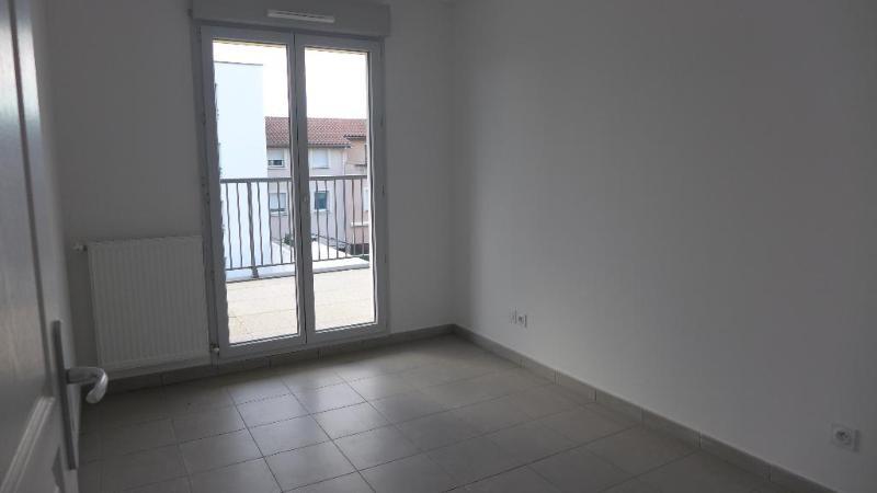 Location appartement Decines charpieu 785€ CC - Photo 7
