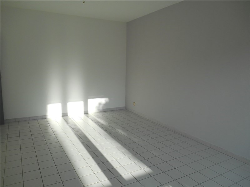 Rental apartment Troyes 650€ CC - Picture 3