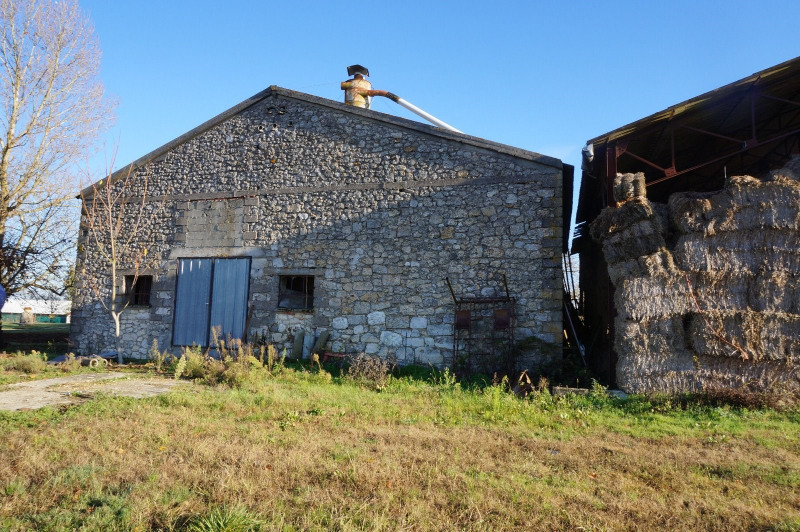 Sale house / villa La croix blanche 98000€ - Picture 1