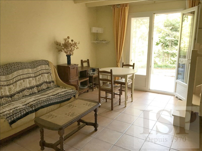 Rental apartment Aix en provence 796€ CC - Picture 2