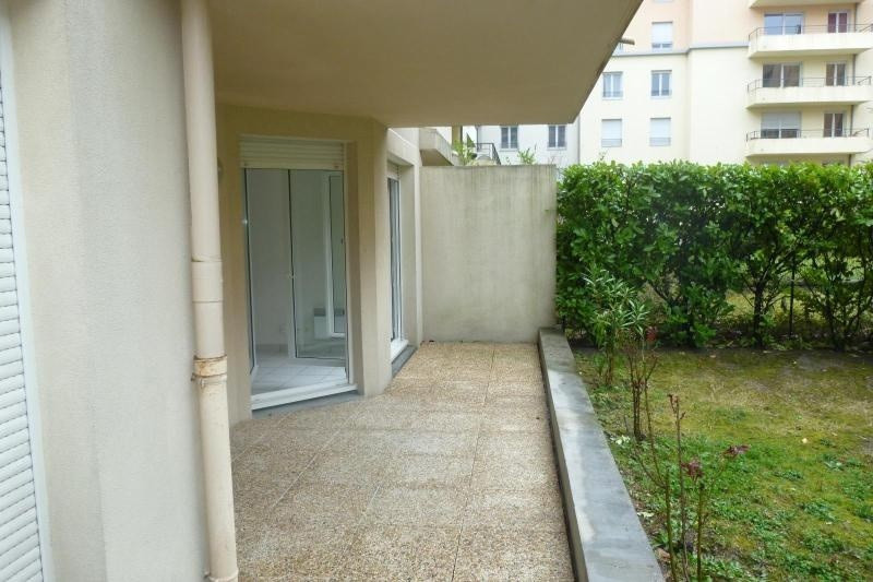Location appartement Lyon 3ème 735€cc - Photo 2