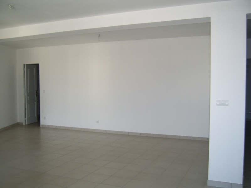 Rental apartment Bouillargues 840€ CC - Picture 2