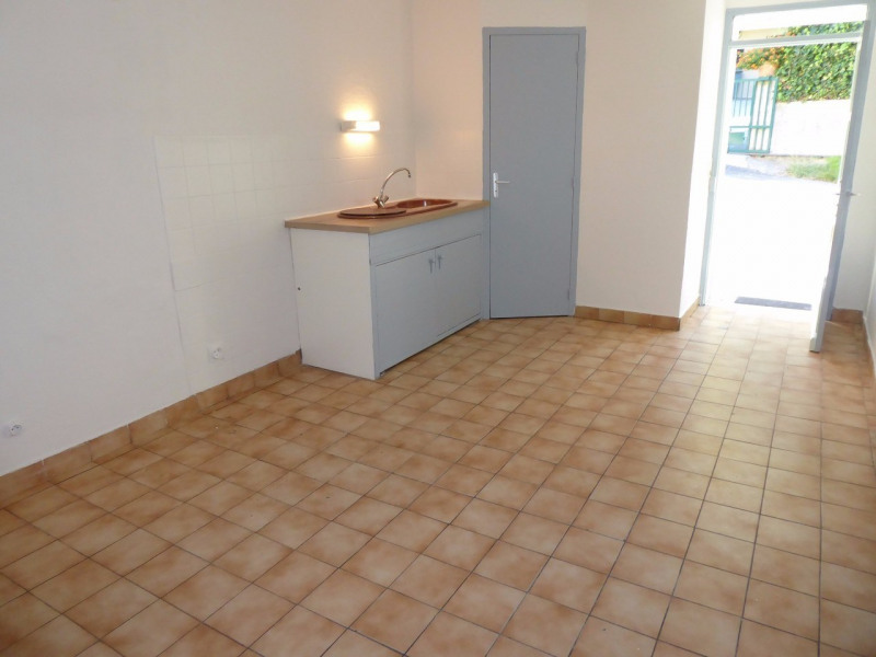 Location maison / villa Asperjoc 420€ CC - Photo 3