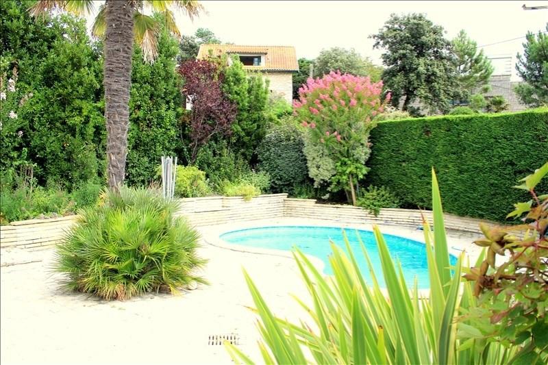 Deluxe sale house / villa Royan 590000€ - Picture 1