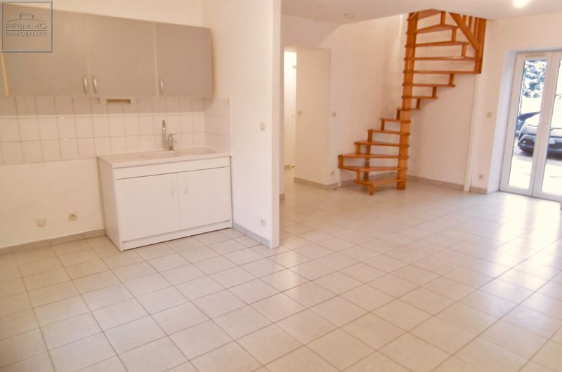 Location appartement Mionnay 830€ CC - Photo 1