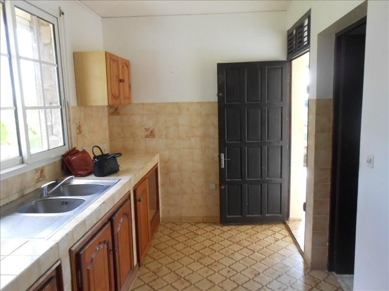 Sale house / villa Capesterre belle eau 220000€ - Picture 3