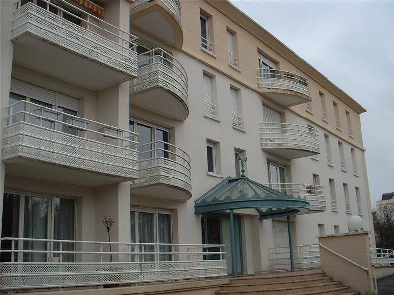 Sale apartment Livry gargan 133000€ - Picture 1