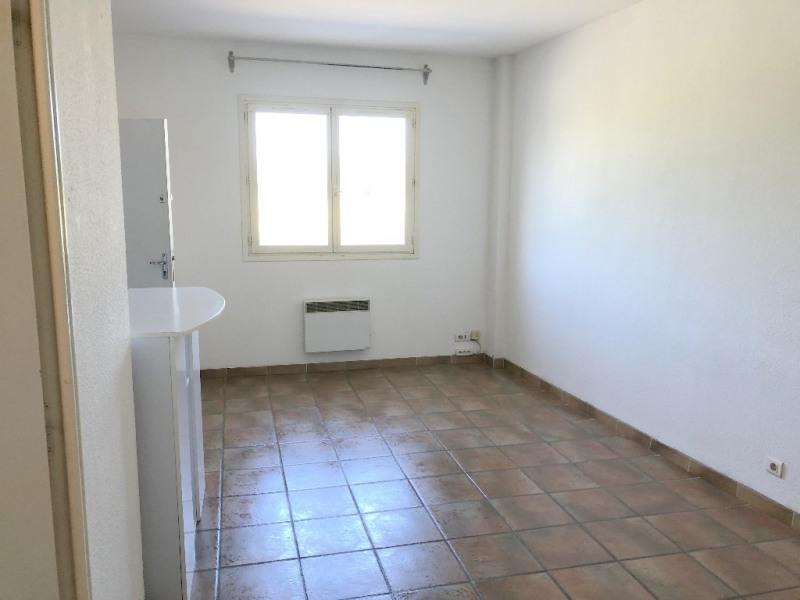 Rental apartment Eguilles 517€ CC - Picture 1