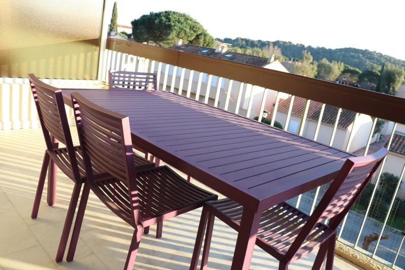 Sale apartment Le lavandou 139000€ - Picture 2