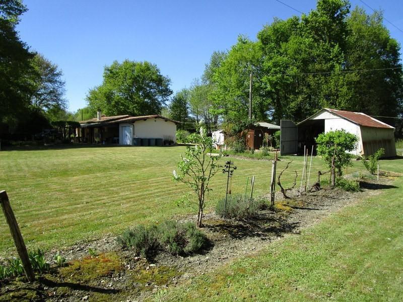 Sale house / villa Beaupouyet 76000€ - Picture 2