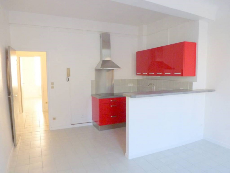Rental apartment Avignon 492€ CC - Picture 1