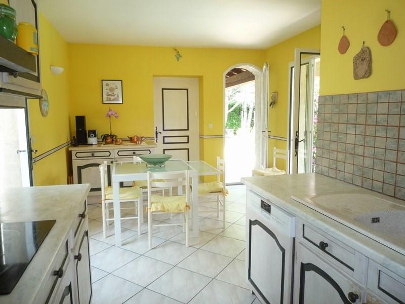 Sale house / villa Camaret sur aigues 388500€ - Picture 5