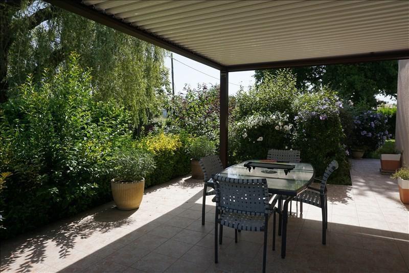 Sale house / villa St andre de cubzac 315000€ - Picture 2