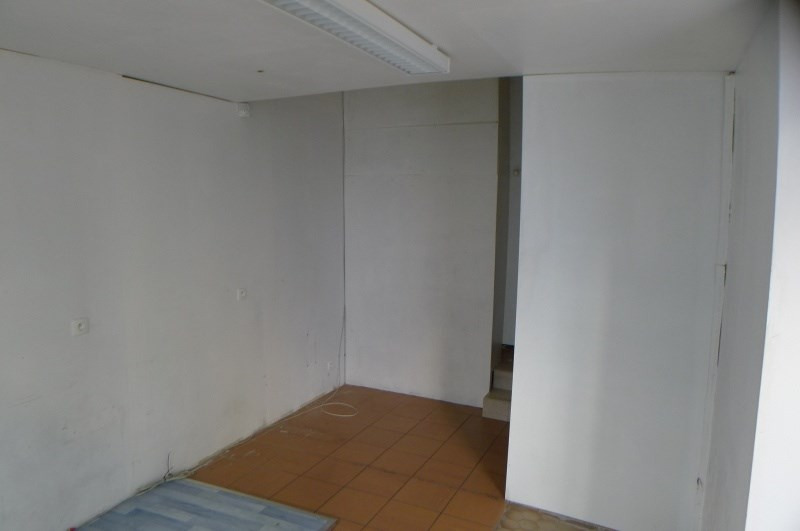Rental empty room/storage Givors 510€ CC - Picture 4