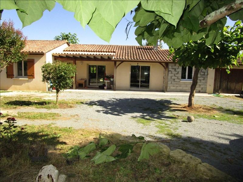 Sale house / villa Villefranche de lonchat 147000€ - Picture 1