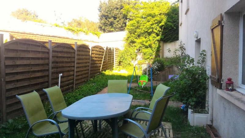Sale house / villa Chars 206000€ - Picture 1