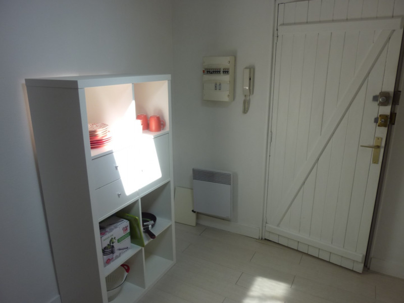 Rental apartment Saintes 345€ CC - Picture 1