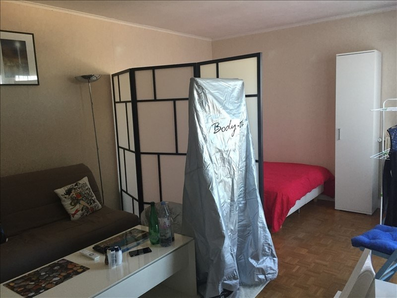 Rental apartment Versailles 705€ CC - Picture 1