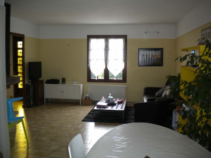 Location maison / villa Vendome 710€ CC - Photo 6