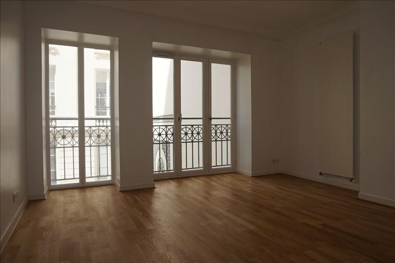 Rental apartment Paris 9ème 3430€ CC - Picture 3